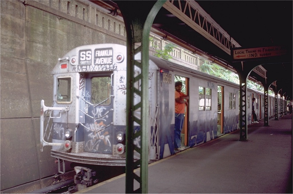(180k, 1024x678)<br><b>Country:</b> United States<br><b>City:</b> New York<br><b>System:</b> New York City Transit<br><b>Line:</b> BMT Franklin<br><b>Location:</b> Prospect Park <br><b>Route:</b> Franklin Shuttle<br><b>Car:</b> R-30 (St. Louis, 1961) 8569 <br><b>Photo by:</b> Doug Grotjahn<br><b>Collection of:</b> Joe Testagrose<br><b>Date:</b> 8/22/1981<br><b>Viewed (this week/total):</b> 1 / 4259