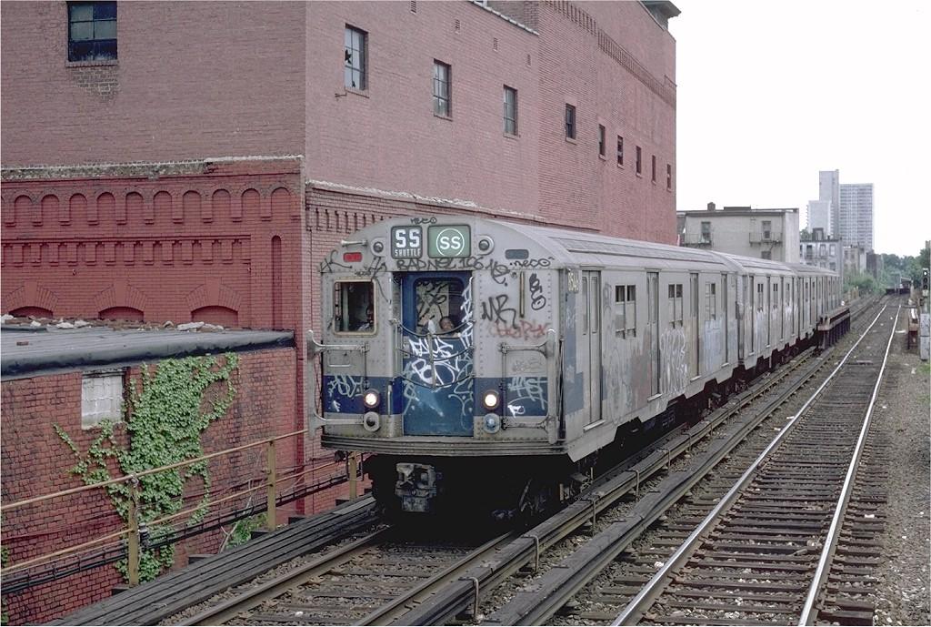(254k, 1024x689)<br><b>Country:</b> United States<br><b>City:</b> New York<br><b>System:</b> New York City Transit<br><b>Line:</b> BMT Franklin<br><b>Location:</b> Dean Street <br><b>Route:</b> Franklin Shuttle<br><b>Car:</b> R-30 (St. Louis, 1961) 8546 <br><b>Photo by:</b> Steve Zabel<br><b>Collection of:</b> Joe Testagrose<br><b>Date:</b> 6/17/1982<br><b>Viewed (this week/total):</b> 7 / 6930