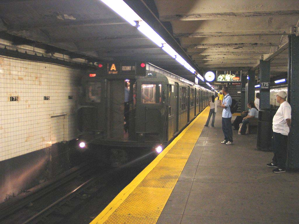 (115k, 1024x768)<br><b>Country:</b> United States<br><b>City:</b> New York<br><b>System:</b> New York City Transit<br><b>Line:</b> IND 8th Avenue Line<br><b>Location:</b> 175th Street/George Washington Bridge Bus Terminal <br><b>Route:</b> Fan Trip<br><b>Car:</b> R-1 (American Car & Foundry, 1930-1931) 100 <br><b>Photo by:</b> Brian Weinberg<br><b>Date:</b> 8/21/2005<br><b>Notes:</b> Technically not on the fantrip-- Consist was deadheading to Columbus Circle for a Transit Museum excursion to the Rockaways.<br><b>Viewed (this week/total):</b> 0 / 4823
