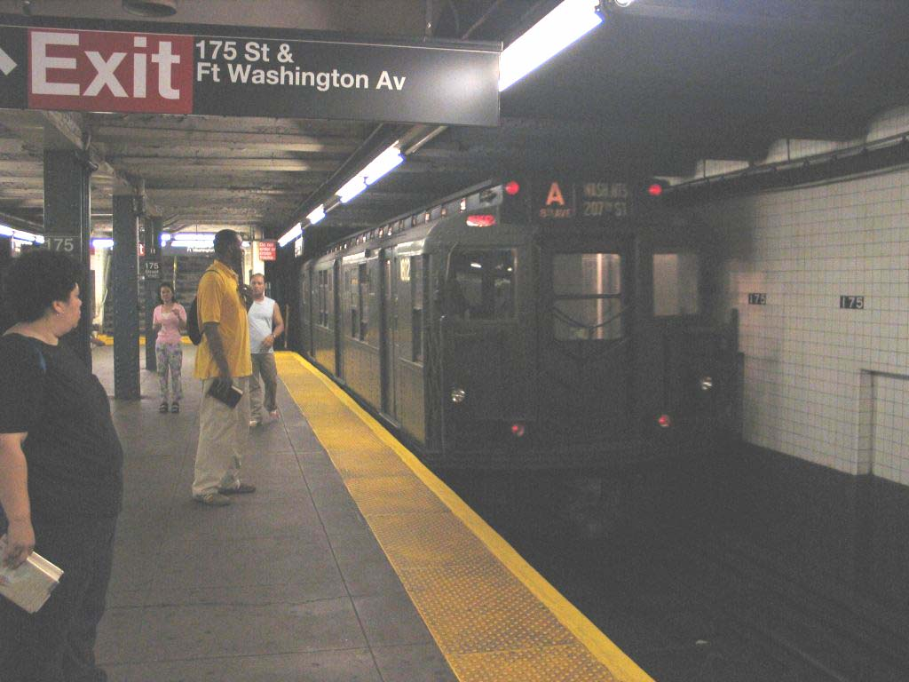 (93k, 1024x768)<br><b>Country:</b> United States<br><b>City:</b> New York<br><b>System:</b> New York City Transit<br><b>Line:</b> IND 8th Avenue Line<br><b>Location:</b> 175th Street/George Washington Bridge Bus Terminal <br><b>Route:</b> Fan Trip<br><b>Car:</b> R-9 (Pressed Steel, 1940)  1802 <br><b>Photo by:</b> Brian Weinberg<br><b>Date:</b> 8/21/2005<br><b>Notes:</b> Technically not on the fantrip-- Consist was deadheading to Columbus Circle for a Transit Museum excursion to the Rockaways.<br><b>Viewed (this week/total):</b> 0 / 3976