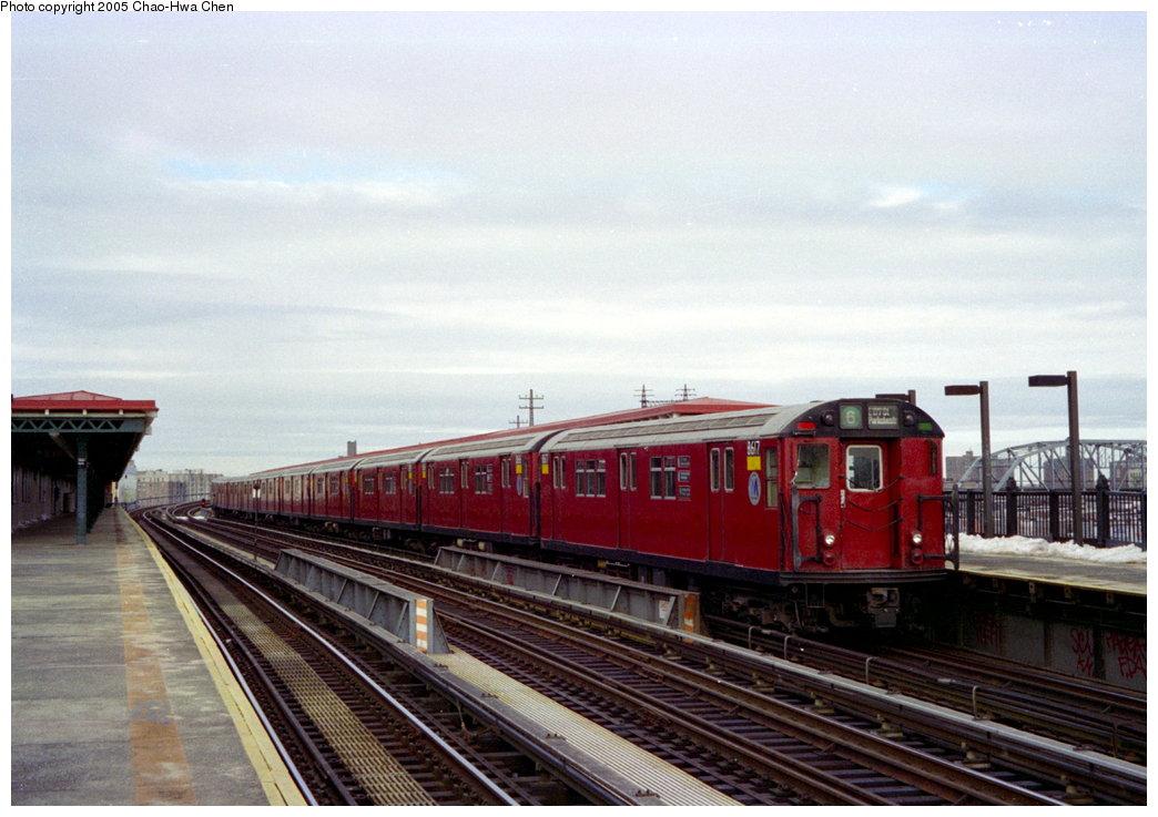 (149k, 1044x737)<br><b>Country:</b> United States<br><b>City:</b> New York<br><b>System:</b> New York City Transit<br><b>Line:</b> IRT Pelham Line<br><b>Location:</b> Whitlock Avenue <br><b>Route:</b> 6<br><b>Car:</b> R-29 (St. Louis, 1962) 8617 <br><b>Photo by:</b> Chao-Hwa Chen<br><b>Date:</b> 12/27/1995<br><b>Viewed (this week/total):</b> 2 / 4183