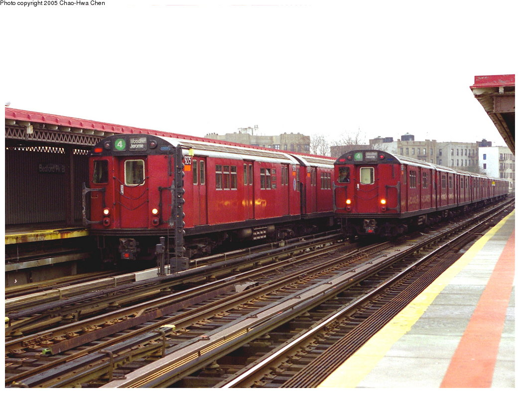 (178k, 1044x789)<br><b>Country:</b> United States<br><b>City:</b> New York<br><b>System:</b> New York City Transit<br><b>Line:</b> IRT Woodlawn Line<br><b>Location:</b> Bedford Park Boulevard <br><b>Route:</b> 4<br><b>Car:</b> R-33 Main Line (St. Louis, 1962-63) 9275 <br><b>Photo by:</b> Chao-Hwa Chen<br><b>Date:</b> 3/20/1998<br><b>Viewed (this week/total):</b> 4 / 3952