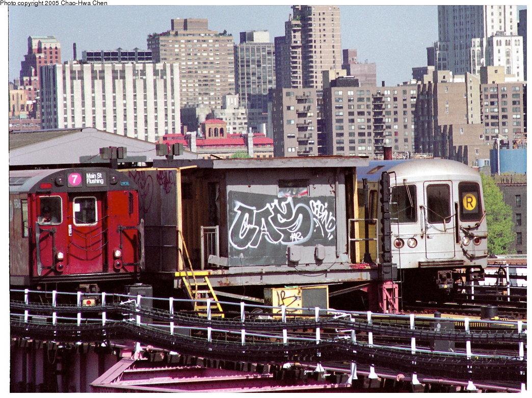 (271k, 1044x782)<br><b>Country:</b> United States<br><b>City:</b> New York<br><b>System:</b> New York City Transit<br><b>Line:</b> IRT Flushing Line<br><b>Location:</b> Queensborough Plaza <br><b>Route:</b> 7<br><b>Car:</b> R-36 World's Fair (St. Louis, 1963-64) 9346 <br><b>Photo by:</b> Chao-Hwa Chen<br><b>Date:</b> 4/24/1998<br><b>Notes:</b> With R46 5610<br><b>Viewed (this week/total):</b> 2 / 6743