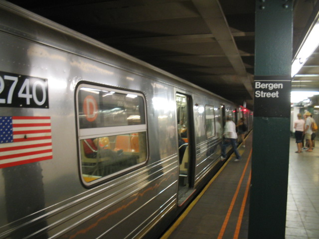 (96k, 640x480)<br><b>Country:</b> United States<br><b>City:</b> New York<br><b>System:</b> New York City Transit<br><b>Line:</b> IND Crosstown Line<br><b>Location:</b> Bergen Street <br><b>Route:</b> D<br><b>Car:</b> R-68 (Westinghouse-Amrail, 1986-1988)  2740 <br><b>Photo by:</b> Daniel Borde<br><b>Date:</b> 8/21/2005<br><b>Viewed (this week/total):</b> 1 / 8205