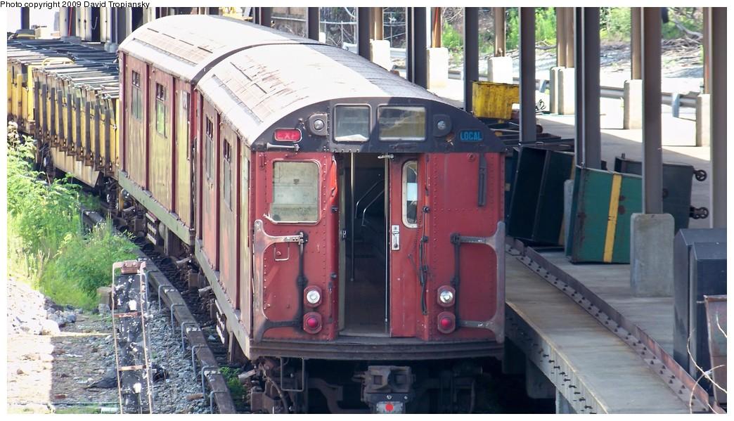 (203k, 1044x599)<br><b>Country:</b> United States<br><b>City:</b> New York<br><b>System:</b> New York City Transit<br><b>Location:</b> 36th Street Yard<br><b>Route:</b> Work Service<br><b>Car:</b> R-33 World's Fair (St. Louis, 1963-64) 19335 (ex-9335)<br><b>Photo by:</b> David Tropiansky<br><b>Date:</b> 7/19/2009<br><b>Viewed (this week/total):</b> 1 / 1446