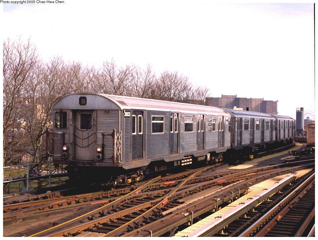 (204k, 1044x788)<br><b>Country:</b> United States<br><b>City:</b> New York<br><b>System:</b> New York City Transit<br><b>Line:</b> BMT West End Line<br><b>Location:</b> Bay 50th Street <br><b>Route:</b> N<br><b>Car:</b> R-32 (Budd, 1964)  3603 <br><b>Photo by:</b> Chao-Hwa Chen<br><b>Date:</b> 3/23/1999<br><b>Notes:</b> N Train reroute.<br><b>Viewed (this week/total):</b> 0 / 4588