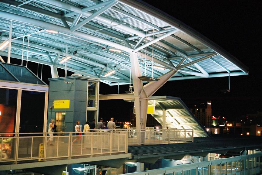 (124k, 864x576)<br><b>Country:</b> United States<br><b>City:</b> Las Vegas, NV<br><b>System:</b> Las Vegas Monorail<br><b>Location:</b> Harrah's/Imperial Palace <br><b>Photo by:</b> D. Reinecke<br><b>Date:</b> 8/2005<br><b>Viewed (this week/total):</b> 1 / 2485