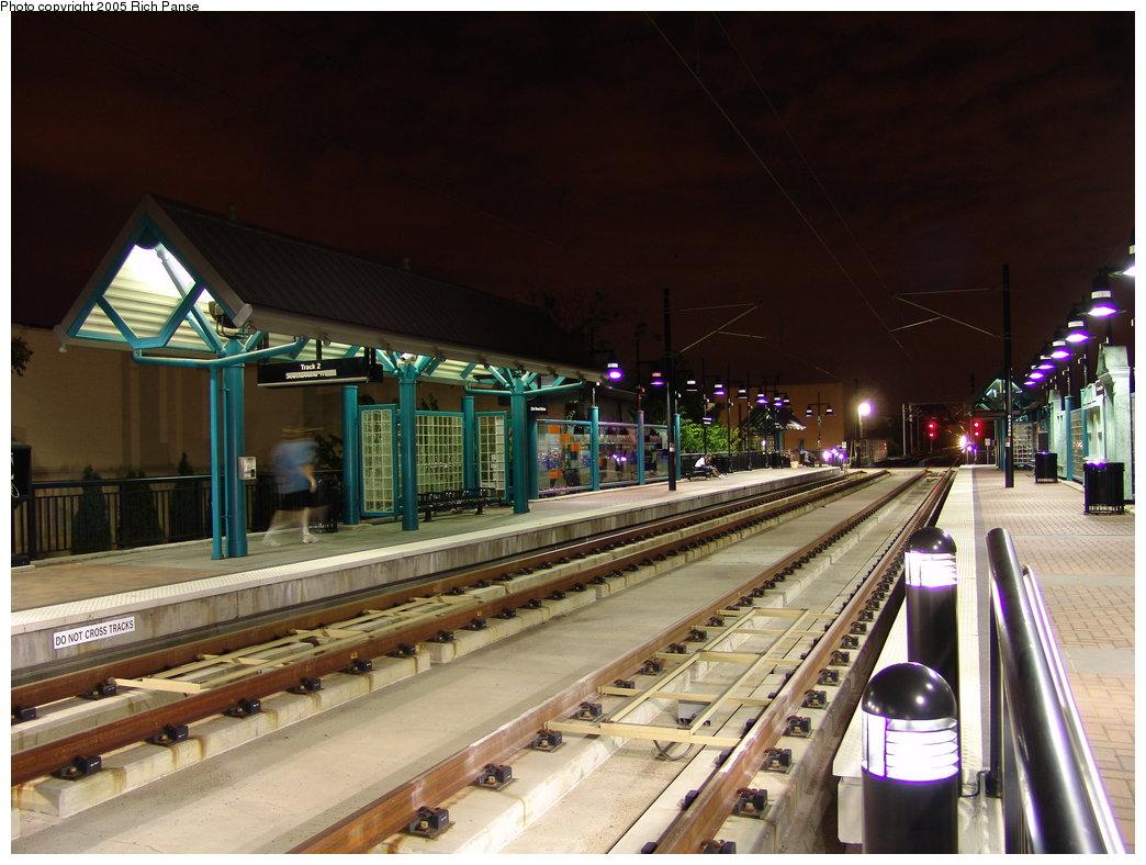 (184k, 1044x788)<br><b>Country:</b> United States<br><b>City:</b> Bayonne, NJ<br><b>System:</b> Hudson Bergen Light Rail<br><b>Location:</b> East 22nd Street <br><b>Photo by:</b> Richard Panse<br><b>Date:</b> 8/26/2005<br><b>Notes:</b> Nighttime view of platform.<br><b>Viewed (this week/total):</b> 0 / 2943