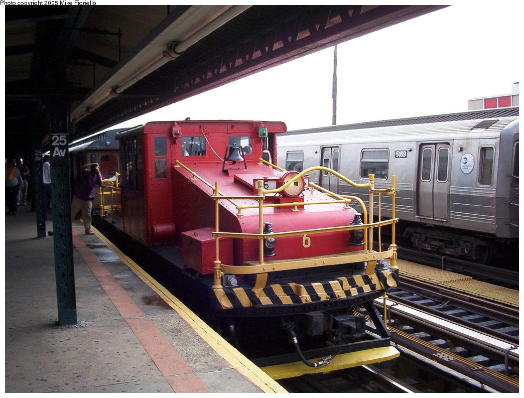 (186k, 1044x793)<br><b>Country:</b> United States<br><b>City:</b> New York<br><b>System:</b> New York City Transit<br><b>Line:</b> BMT West End Line<br><b>Location:</b> 25th Avenue <br><b>Route:</b> Fan Trip<br><b>Car:</b> SBK Steeplecab 6 <br><b>Photo by:</b> Mike Fioriello<br><b>Date:</b> 9/27/2003<br><b>Viewed (this week/total):</b> 0 / 2536