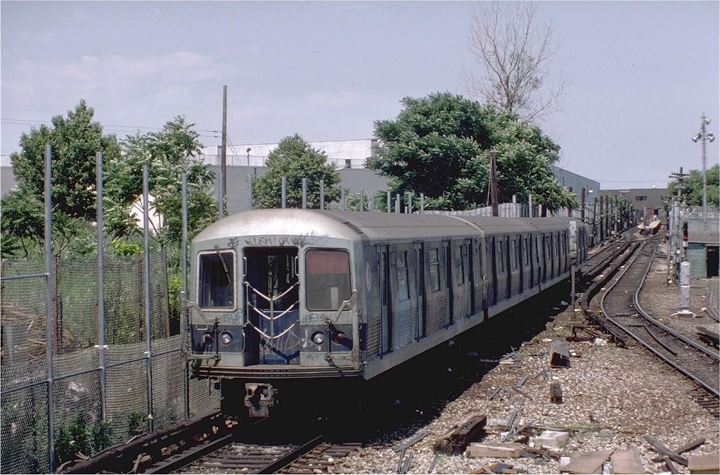(254k, 1024x675)<br><b>Country:</b> United States<br><b>City:</b> New York<br><b>System:</b> New York City Transit<br><b>Line:</b> BMT Canarsie Line<br><b>Location:</b> Rockaway Parkway <br><b>Route:</b> LL<br><b>Car:</b> R-42 (St. Louis, 1969-1970)   <br><b>Photo by:</b> Steve Zabel<br><b>Collection of:</b> Joe Testagrose<br><b>Date:</b> 7/5/1982<br><b>Viewed (this week/total):</b> 0 / 5387