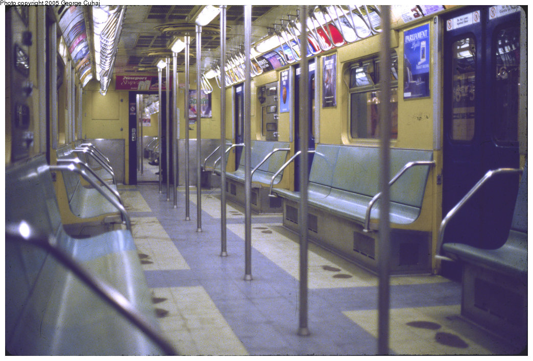 r33 subway car pictures to pin on pinterest pinsdaddy. Black Bedroom Furniture Sets. Home Design Ideas