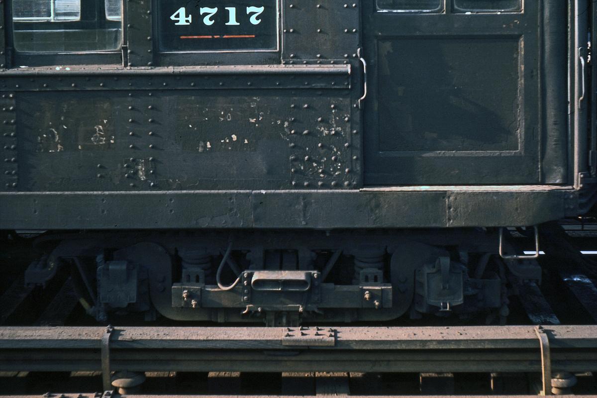 (335k, 1044x712)<br><b>Country:</b> United States<br><b>City:</b> New York<br><b>System:</b> New York City Transit<br><b>Car:</b> Low-V 4717 <br><b>Photo by:</b> Ed Davis, Sr.<br><b>Collection of:</b> David Pirmann<br><b>Date:</b> 2/1964<br><b>Viewed (this week/total):</b> 1 / 1844