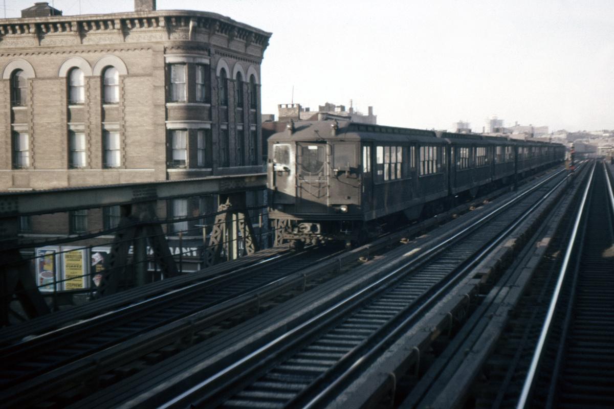 (315k, 1024x683)<br><b>Country:</b> United States<br><b>City:</b> New York<br><b>System:</b> New York City Transit<br><b>Line:</b> IRT White Plains Road Line<br><b>Location:</b> Freeman Street <br><b>Car:</b> Low-V  <br><b>Photo by:</b> Ed Davis, Sr.<br><b>Collection of:</b> David Pirmann<br><b>Date:</b> 11/1962<br><b>Viewed (this week/total):</b> 0 / 3536