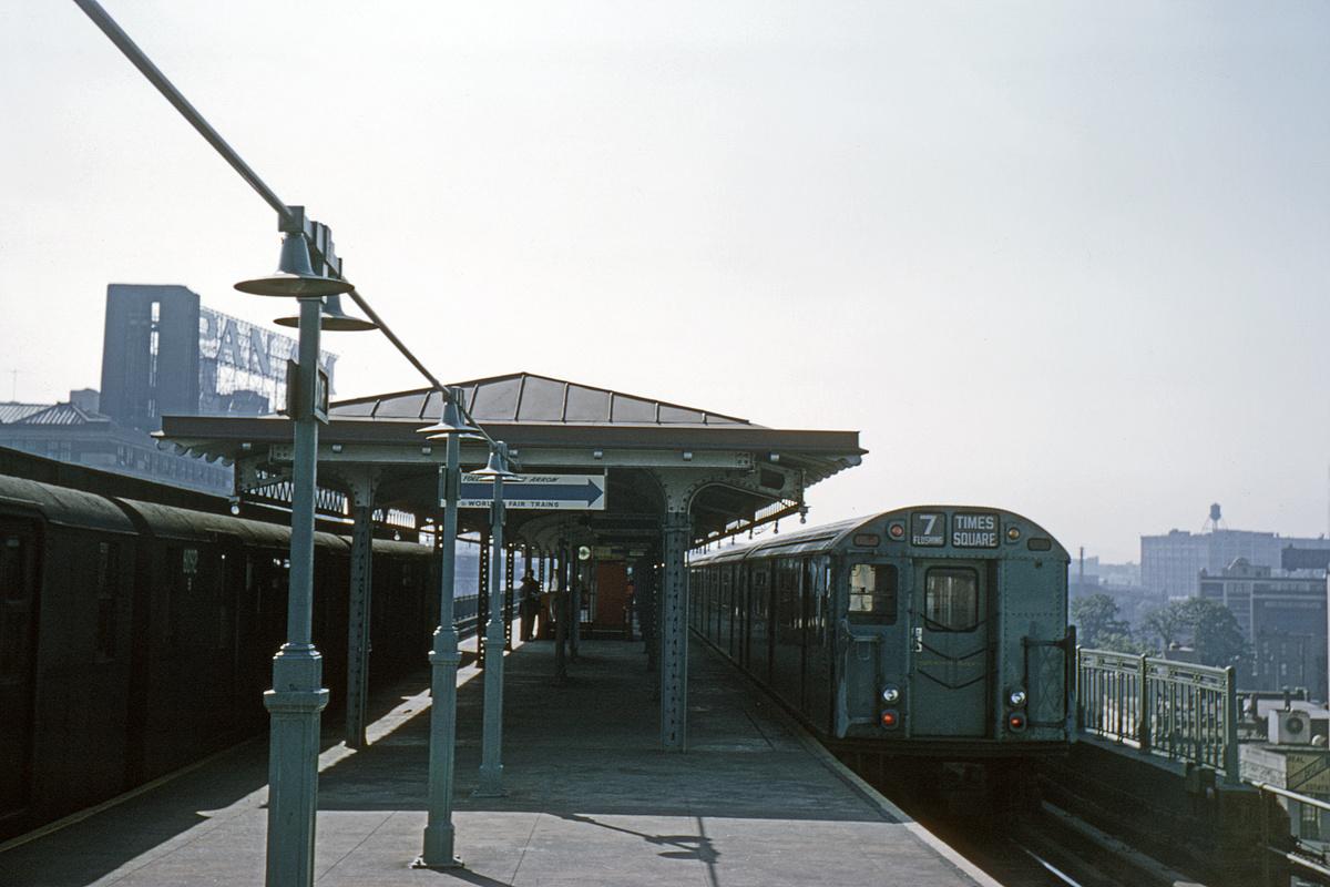 (297k, 1044x708)<br><b>Country:</b> United States<br><b>City:</b> New York<br><b>System:</b> New York City Transit<br><b>Line:</b> BMT Astoria Line<br><b>Location:</b> Queensborough Plaza <br><b>Car:</b> BMT D-Type Triplex 6092 <br><b>Collection of:</b> David Pirmann<br><b>Date:</b> 6/4/1964<br><b>Viewed (this week/total):</b> 1 / 3510