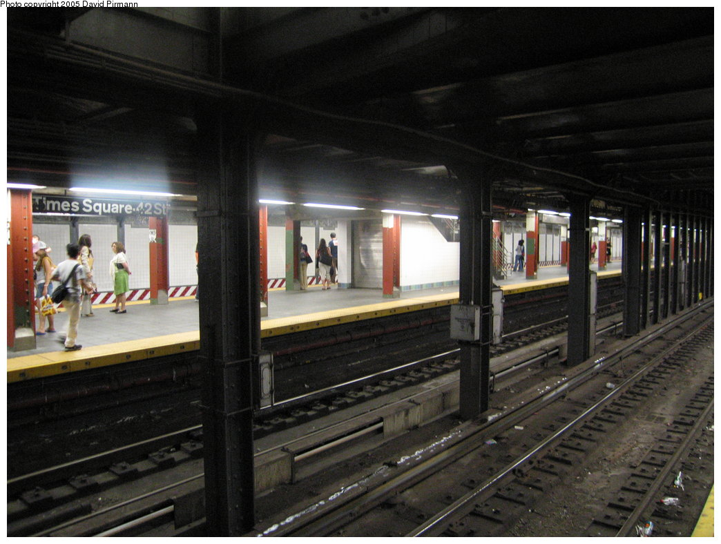 (173k, 1044x788)<br><b>Country:</b> United States<br><b>City:</b> New York<br><b>System:</b> New York City Transit<br><b>Line:</b> BMT Broadway Line<br><b>Location:</b> Times Square/42nd Street <br><b>Photo by:</b> David Pirmann<br><b>Date:</b> 9/6/2005<br><b>Viewed (this week/total):</b> 0 / 3843
