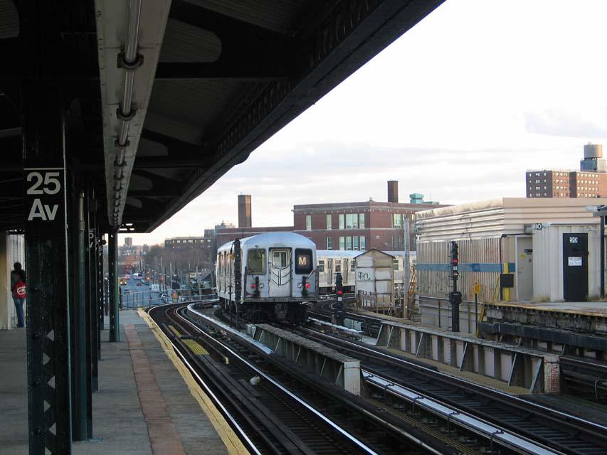 (90k, 853x640)<br><b>Country:</b> United States<br><b>City:</b> New York<br><b>System:</b> New York City Transit<br><b>Line:</b> BMT West End Line<br><b>Location:</b> 25th Avenue <br><b>Route:</b> M<br><b>Car:</b> R-42 (St. Louis, 1969-1970)  4562 <br><b>Photo by:</b> Michael Pompili<br><b>Date:</b> 12/8/2004<br><b>Viewed (this week/total):</b> 4 / 3438