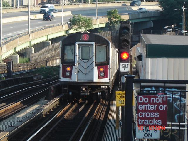 (148k, 640x480)<br><b>Country:</b> United States<br><b>City:</b> New York<br><b>System:</b> New York City Transit<br><b>Line:</b> IRT Pelham Line<br><b>Location:</b> Whitlock Avenue <br><b>Route:</b> 6<br><b>Car:</b> R-142 or R-142A (Number Unknown)  <br><b>Photo by:</b> DeAndre Burrell<br><b>Date:</b> 7/10/2005<br><b>Viewed (this week/total):</b> 3 / 4386