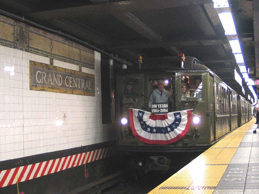 (93k, 853x640)<br><b>Country:</b> United States<br><b>City:</b> New York<br><b>System:</b> New York City Transit<br><b>Line:</b> IRT East Side Line<br><b>Location:</b> Grand Central <br><b>Route:</b> Fan Trip<br><b>Car:</b> Low-V (Museum Train) 5292 <br><b>Photo by:</b> Michael Pompili<br><b>Date:</b> 10/27/2004<br><b>Viewed (this week/total):</b> 2 / 2389