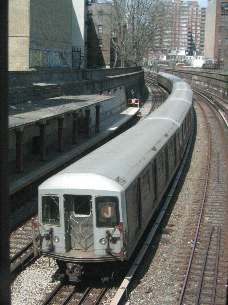 (151k, 768x1024)<br><b>Country:</b> United States<br><b>City:</b> New York<br><b>System:</b> New York City Transit<br><b>Line:</b> BMT Brighton Line<br><b>Location:</b> Parkside Avenue <br><b>Route:</b> J<br><b>Car:</b> R-42 (St. Louis, 1969-1970)  4685 <br><b>Photo by:</b> Jeremy Whiteman<br><b>Date:</b> 4/9/2004<br><b>Viewed (this week/total):</b> 2 / 3471