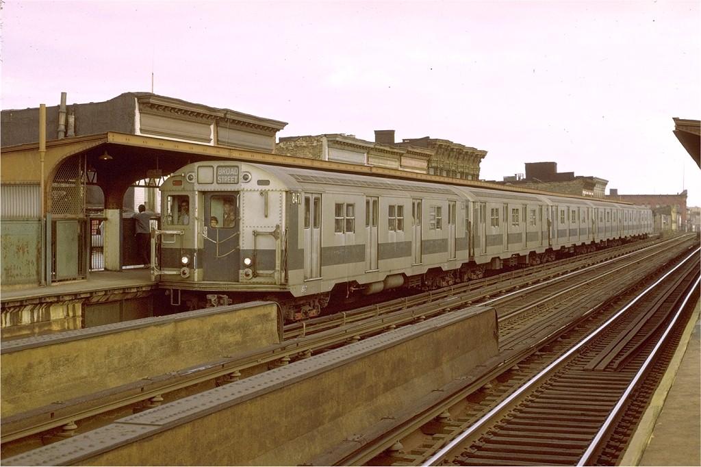 (195k, 1024x682)<br><b>Country:</b> United States<br><b>City:</b> New York<br><b>System:</b> New York City Transit<br><b>Line:</b> BMT Nassau Street/Jamaica Line<br><b>Location:</b> Kosciuszko Street <br><b>Route:</b> QJ<br><b>Car:</b> R-30 (St. Louis, 1961) 8471 <br><b>Photo by:</b> Joe Testagrose<br><b>Date:</b> 9/25/1971<br><b>Viewed (this week/total):</b> 0 / 3578