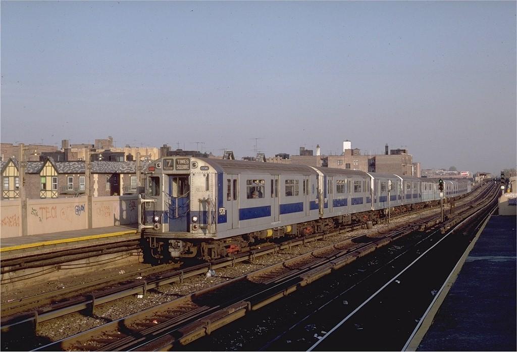 (180k, 1024x697)<br><b>Country:</b> United States<br><b>City:</b> New York<br><b>System:</b> New York City Transit<br><b>Line:</b> IRT Flushing Line<br><b>Location:</b> 40th Street/Lowery Street <br><b>Route:</b> 7<br><b>Car:</b> R-36 World's Fair (St. Louis, 1963-64) 9378 <br><b>Photo by:</b> Steve Zabel<br><b>Collection of:</b> Joe Testagrose<br><b>Date:</b> 11/2/1981<br><b>Viewed (this week/total):</b> 0 / 3404