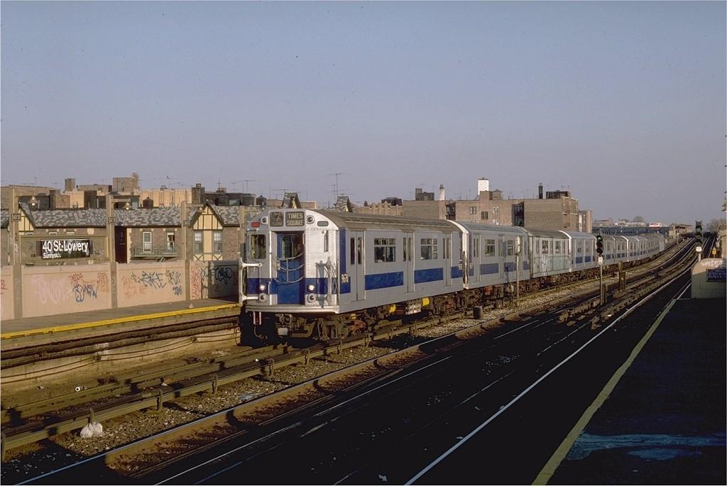 (174k, 1024x685)<br><b>Country:</b> United States<br><b>City:</b> New York<br><b>System:</b> New York City Transit<br><b>Line:</b> IRT Flushing Line<br><b>Location:</b> 40th Street/Lowery Street <br><b>Route:</b> 7<br><b>Car:</b> R-36 World's Fair (St. Louis, 1963-64) 9678 <br><b>Photo by:</b> Steve Zabel<br><b>Collection of:</b> Joe Testagrose<br><b>Date:</b> 11/11/1981<br><b>Viewed (this week/total):</b> 2 / 3195
