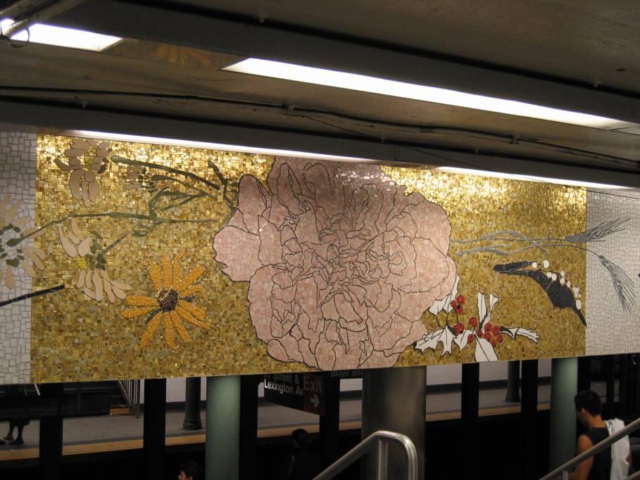 (92k, 909x682)<br><b>Country:</b> United States<br><b>City:</b> New York<br><b>System:</b> New York City Transit<br><b>Line:</b> IRT East Side Line<br><b>Location:</b> 77th Street <br><b>Photo by:</b> Robbie Rosenfeld<br><b>Date:</b> 9/2005<br><b>Artwork:</b> <i>4 Seasons Seasoned</i>, Robert Kushner (2004).<br><b>Viewed (this week/total):</b> 2 / 4441