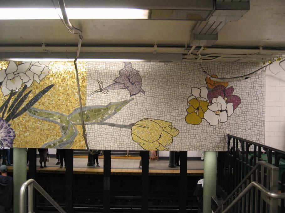 (88k, 909x682)<br><b>Country:</b> United States<br><b>City:</b> New York<br><b>System:</b> New York City Transit<br><b>Line:</b> IRT East Side Line<br><b>Location:</b> 77th Street <br><b>Photo by:</b> Robbie Rosenfeld<br><b>Date:</b> 9/2005<br><b>Artwork:</b> <i>4 Seasons Seasoned</i>, Robert Kushner (2004).<br><b>Viewed (this week/total):</b> 1 / 4632