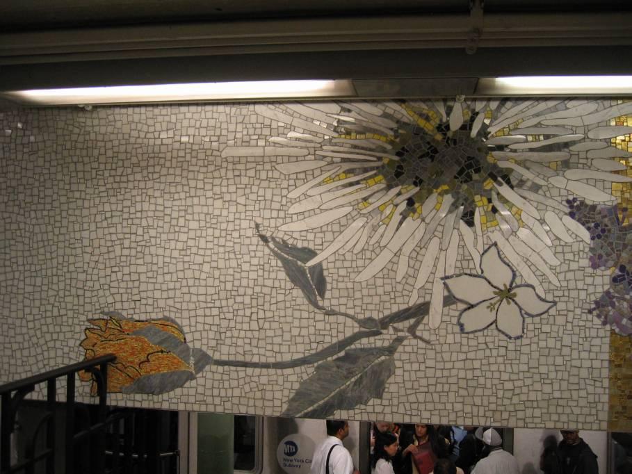 (94k, 909x682)<br><b>Country:</b> United States<br><b>City:</b> New York<br><b>System:</b> New York City Transit<br><b>Line:</b> IRT East Side Line<br><b>Location:</b> 77th Street <br><b>Photo by:</b> Robbie Rosenfeld<br><b>Date:</b> 9/2005<br><b>Artwork:</b> <i>4 Seasons Seasoned</i>, Robert Kushner (2004).<br><b>Viewed (this week/total):</b> 2 / 3356