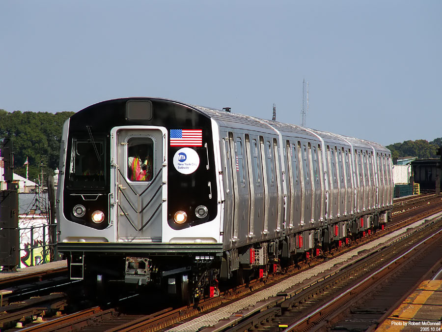 (148k, 900x675)<br><b>Country:</b> United States<br><b>City:</b> New York<br><b>System:</b> New York City Transit<br><b>Line:</b> IND Fulton Street Line<br><b>Location:</b> 88th Street/Boyd Avenue <br><b>Car:</b> R-160B (Kawasaki, 2005-2008)  8713 <br><b>Photo by:</b> Robert McConnell<br><b>Date:</b> 10/4/2005<br><b>Notes:</b> New R160B cars - testing.<br><b>Viewed (this week/total):</b> 1 / 5008