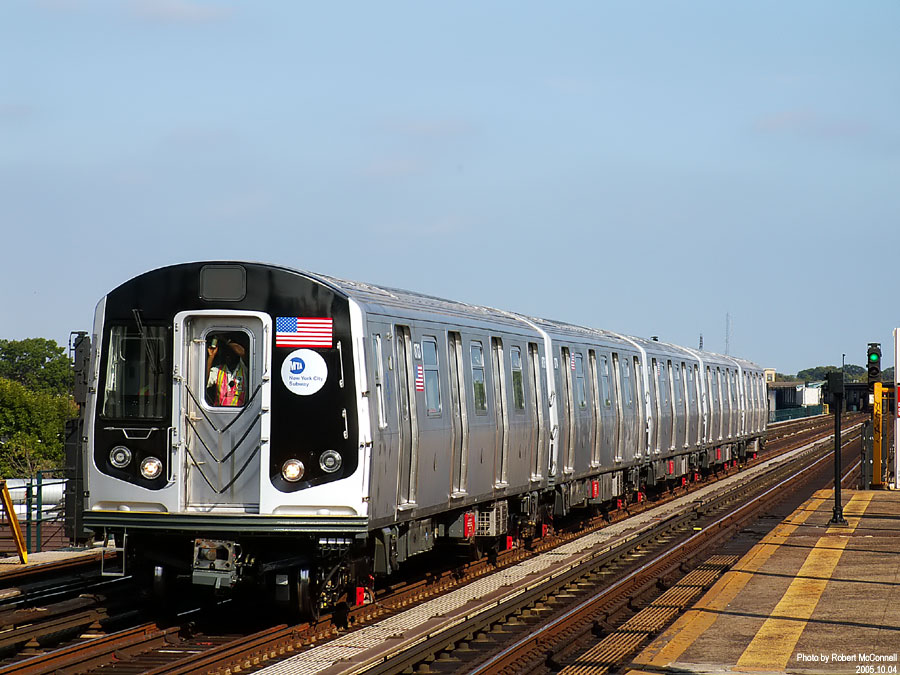 (141k, 900x675)<br><b>Country:</b> United States<br><b>City:</b> New York<br><b>System:</b> New York City Transit<br><b>Line:</b> IND Fulton Street Line<br><b>Location:</b> 88th Street/Boyd Avenue <br><b>Car:</b> R-160B (Kawasaki, 2005-2008)  8713 <br><b>Photo by:</b> Robert McConnell<br><b>Date:</b> 10/4/2005<br><b>Notes:</b> New R160B cars - testing.<br><b>Viewed (this week/total):</b> 0 / 21305