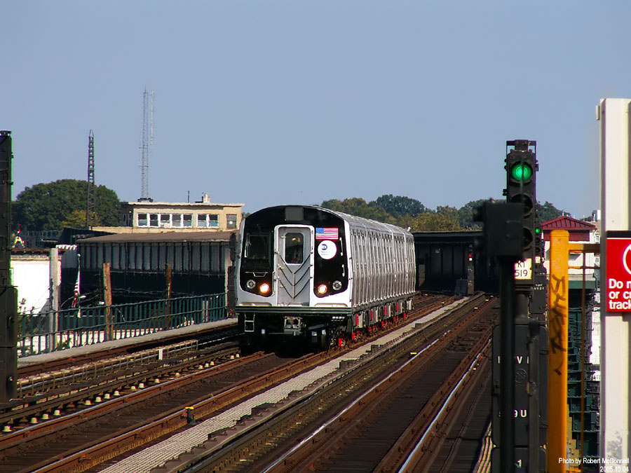 (138k, 900x675)<br><b>Country:</b> United States<br><b>City:</b> New York<br><b>System:</b> New York City Transit<br><b>Line:</b> IND Fulton Street Line<br><b>Location:</b> 88th Street/Boyd Avenue <br><b>Car:</b> R-160B (Kawasaki, 2005-2008)  8713 <br><b>Photo by:</b> Robert McConnell<br><b>Date:</b> 10/4/2005<br><b>Notes:</b> New R160B cars - testing.<br><b>Viewed (this week/total):</b> 1 / 5164