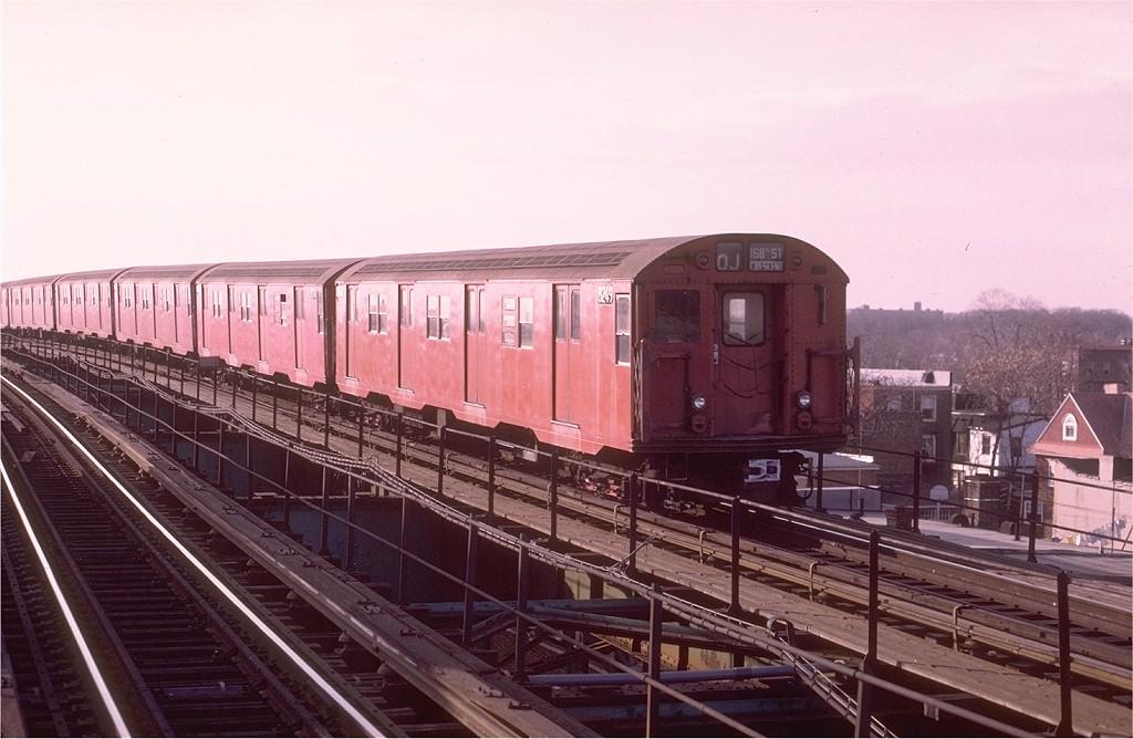 (175k, 1024x668)<br><b>Country:</b> United States<br><b>City:</b> New York<br><b>System:</b> New York City Transit<br><b>Line:</b> BMT Nassau Street/Jamaica Line<br><b>Location:</b> 121st Street <br><b>Route:</b> QJ<br><b>Car:</b> R-27 (St. Louis, 1960)  8249 <br><b>Photo by:</b> Joe Testagrose<br><b>Date:</b> 12/3/1972<br><b>Viewed (this week/total):</b> 0 / 2960