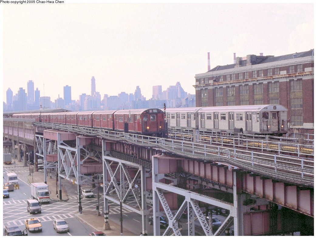 (170k, 1044x788)<br><b>Country:</b> United States<br><b>City:</b> New York<br><b>System:</b> New York City Transit<br><b>Line:</b> BMT Astoria Line<br><b>Location:</b> Queensborough Plaza <br><b>Route:</b> N<br><b>Car:</b> R-32 (Budd, 1964)  3353 <br><b>Photo by:</b> Chao-Hwa Chen<br><b>Date:</b> 6/18/1998<br><b>Notes:</b> With R36-WF 9710<br><b>Viewed (this week/total):</b> 0 / 6259