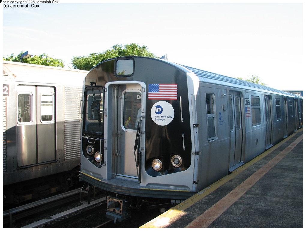 (152k, 1020x770)<br><b>Country:</b> United States<br><b>City:</b> New York<br><b>System:</b> New York City Transit<br><b>Line:</b> IND Rockaway<br><b>Location:</b> Broad Channel <br><b>Car:</b> R-160B (Kawasaki, 2005-2008)  8713 <br><b>Photo by:</b> Jeremiah Cox<br><b>Date:</b> 9/30/2005<br><b>Notes:</b> R160B cars being tested.<br><b>Viewed (this week/total):</b> 0 / 4849