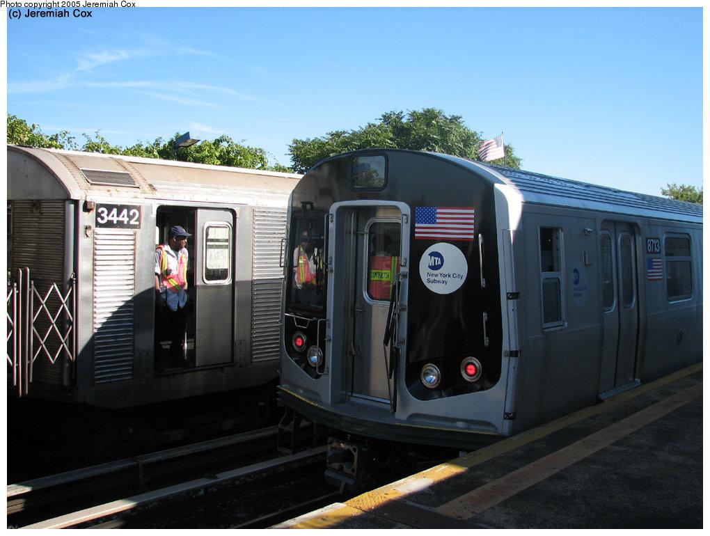 (156k, 1020x770)<br><b>Country:</b> United States<br><b>City:</b> New York<br><b>System:</b> New York City Transit<br><b>Line:</b> IND Rockaway<br><b>Location:</b> Broad Channel <br><b>Car:</b> R-160B (Kawasaki, 2005-2008)  8713 <br><b>Photo by:</b> Jeremiah Cox<br><b>Date:</b> 9/30/2005<br><b>Notes:</b> R160B cars being tested.<br><b>Viewed (this week/total):</b> 5 / 5645