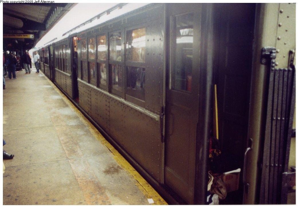 (106k, 1044x725)<br><b>Country:</b> United States<br><b>City:</b> New York<br><b>System:</b> New York City Transit<br><b>Line:</b> IRT White Plains Road Line<br><b>Location:</b> East 180th Street <br><b>Route:</b> Fan Trip<br><b>Car:</b> Low-V (Museum Train)  <br><b>Photo by:</b> Jeff Alterman<br><b>Date:</b> 3/20/2005<br><b>Viewed (this week/total):</b> 0 / 2306