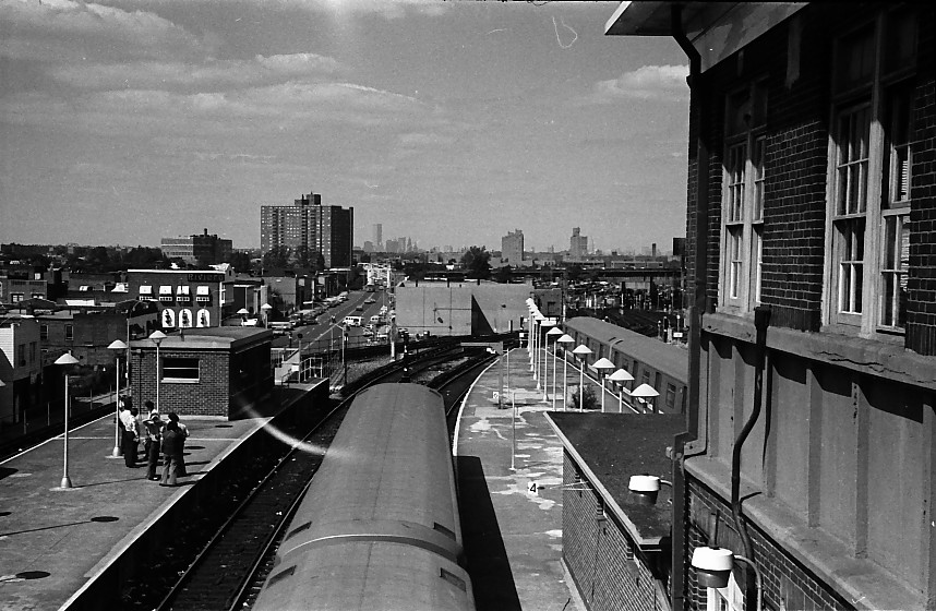 (154k, 858x560)<br><b>Country:</b> United States<br><b>City:</b> New York<br><b>System:</b> New York City Transit<br><b>Location:</b> Coney Island/Stillwell Avenue<br><b>Photo by:</b> Stuart Gitlow<br><b>Date:</b> 10/1977<br><b>Viewed (this week/total):</b> 0 / 1555