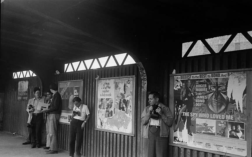 (66k, 864x538)<br><b>Country:</b> United States<br><b>City:</b> New York<br><b>System:</b> New York City Transit<br><b>Line:</b> BMT Nassau Street/Jamaica Line<br><b>Location:</b> Sutphin Boulevard (Demolished) <br><b>Photo by:</b> Stuart Gitlow<br><b>Date:</b> 10/1977<br><b>Viewed (this week/total):</b> 7 / 4529