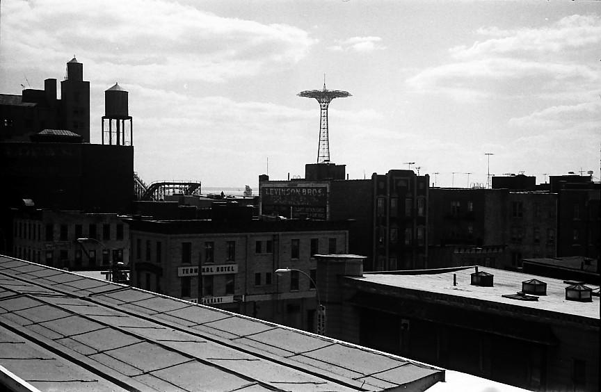 (110k, 864x564)<br><b>Country:</b> United States<br><b>City:</b> New York<br><b>System:</b> New York City Transit<br><b>Location:</b> Coney Island/Stillwell Avenue<br><b>Photo by:</b> Stuart Gitlow<br><b>Date:</b> 10/1977<br><b>Viewed (this week/total):</b> 0 / 1262