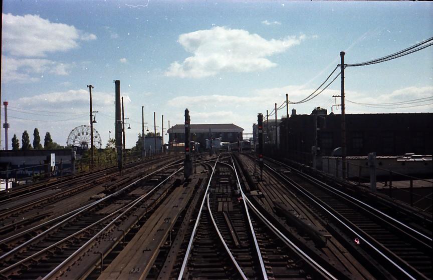 (138k, 864x560)<br><b>Country:</b> United States<br><b>City:</b> New York<br><b>System:</b> New York City Transit<br><b>Location:</b> Coney Island/Stillwell Avenue<br><b>Photo by:</b> Stuart Gitlow<br><b>Date:</b> 10/1977<br><b>Viewed (this week/total):</b> 0 / 2162