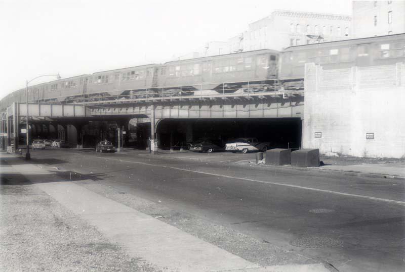 (54k, 800x539)<br><b>Country:</b> United States<br><b>City:</b> New York<br><b>System:</b> New York City Transit<br><b>Line:</b> IRT Woodlawn Line<br><b>Location:</b> 161st Street/River Avenue (Yankee Stadium) <br><b>Car:</b> Low-V  <br><b>Collection of:</b> Christopher Sattler<br><b>Date:</b> 2/22/1963<br><b>Viewed (this week/total):</b> 0 / 5056