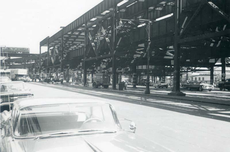 (65k, 800x528)<br><b>Country:</b> United States<br><b>City:</b> New York<br><b>System:</b> New York City Transit<br><b>Location:</b> Queensborough Plaza <br><b>Collection of:</b> Christopher Sattler<br><b>Date:</b> 6/7/1962<br><b>Notes:</b> Queensborough Plaza looking east.<br><b>Viewed (this week/total):</b> 6 / 3996