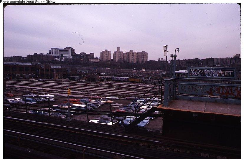 (89k, 828x550)<br><b>Country:</b> United States<br><b>City:</b> New York<br><b>System:</b> New York City Transit<br><b>Location:</b> 207th Street Yard<br><b>Photo by:</b> Stuart Gitlow<br><b>Notes:</b> 1979-Early 1980s<br><b>Viewed (this week/total):</b> 0 / 1166