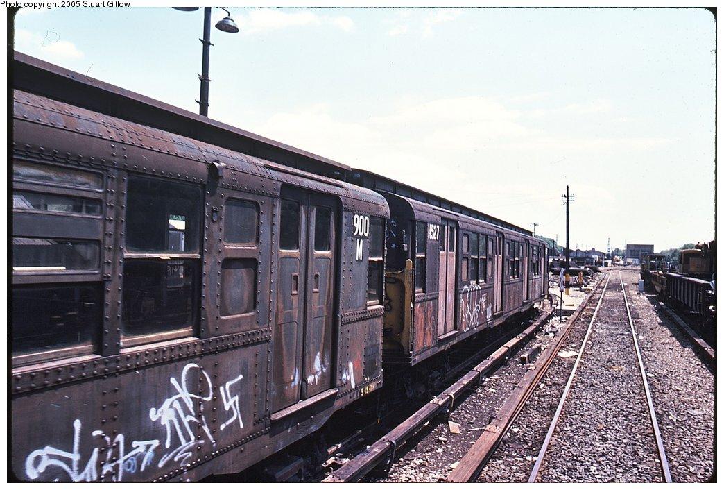 (172k, 1044x706)<br><b>Country:</b> United States<br><b>City:</b> New York<br><b>System:</b> New York City Transit<br><b>Location:</b> 207th Street Yard<br><b>Car:</b> R-6-3 (American Car & Foundry, 1935)  900 <br><b>Photo by:</b> Stuart Gitlow<br><b>Notes:</b> 1979-Early 1980s<br><b>Viewed (this week/total):</b> 1 / 3246