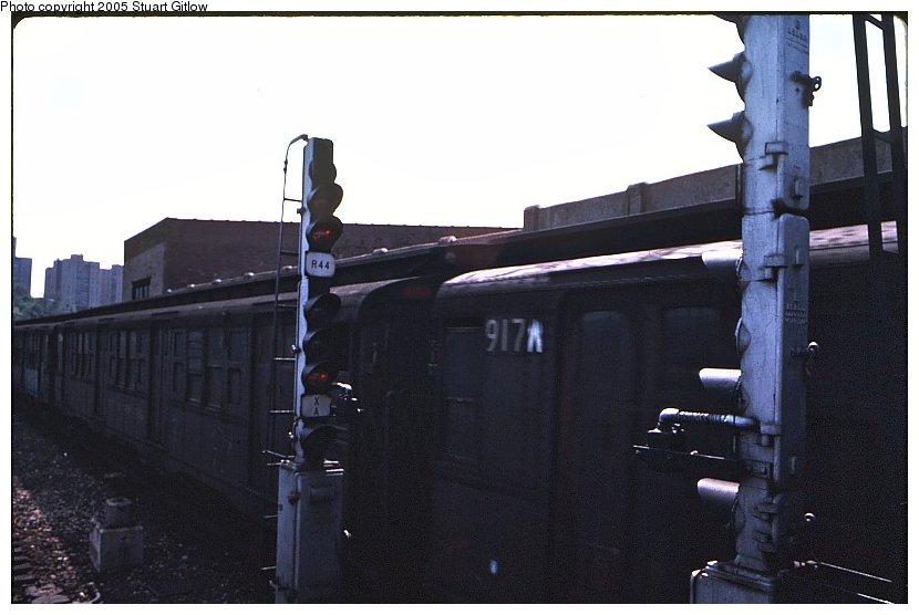 (71k, 830x556)<br><b>Country:</b> United States<br><b>City:</b> New York<br><b>System:</b> New York City Transit<br><b>Location:</b> 207th Street Yard<br><b>Car:</b> R-6-3 (American Car & Foundry, 1935)  917 <br><b>Photo by:</b> Stuart Gitlow<br><b>Notes:</b> 1979-Early 1980s<br><b>Viewed (this week/total):</b> 1 / 2103