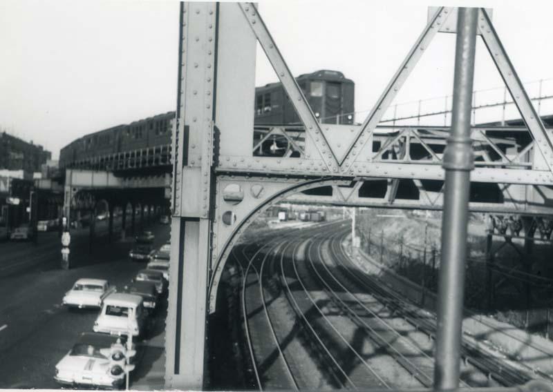 (67k, 800x568)<br><b>Country:</b> United States<br><b>City:</b> New York<br><b>System:</b> New York City Transit<br><b>Line:</b> 3rd Avenue El<br><b>Location:</b> Fordham Road <br><b>Car:</b> Low-V Worlds Fair  <br><b>Collection of:</b> Christopher Sattler<br><b>Date:</b> 11/6/1965<br><b>Viewed (this week/total):</b> 0 / 5520