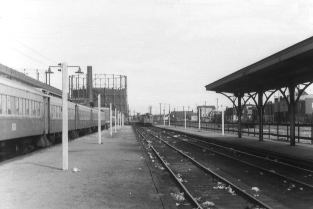 (112k, 1044x705)<br><b>Country:</b> United States<br><b>City:</b> New York<br><b>System:</b> Long Island Rail Road<br><b>Line:</b> LIRR Rockaway<br><b>Location:</b> Rockaway Park <br><b>Collection of:</b> David Pirmann<br><b>Viewed (this week/total):</b> 1 / 1725