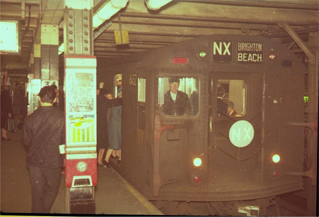 (160k, 1024x699)<br><b>Country:</b> United States<br><b>City:</b> New York<br><b>System:</b> New York City Transit<br><b>Line:</b> BMT Broadway Line<br><b>Location:</b> 34th Street/Herald Square <br><b>Route:</b> NX<br><b>Car:</b> R-30 (St. Louis, 1961) 8452 <br><b>Collection of:</b> Joe Testagrose<br><b>Viewed (this week/total):</b> 1 / 5195