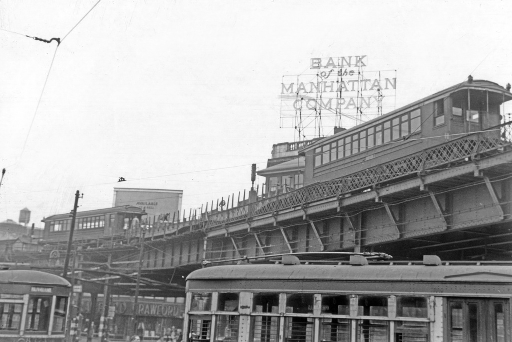 (219k, 1044x702)<br><b>Country:</b> United States<br><b>City:</b> New York<br><b>System:</b> New York City Transit<br><b>Line:</b> BMT Nassau Street/Jamaica Line<br><b>Location:</b> Marcy Avenue <br><b>Route:</b> Work Service<br><b>Car:</b> BMT Elevated Gate Car  <br><b>Collection of:</b> David Pirmann<br><b>Notes:</b> Work train coming off Williamsburgh Bridge.<br><b>Viewed (this week/total):</b> 1 / 3258